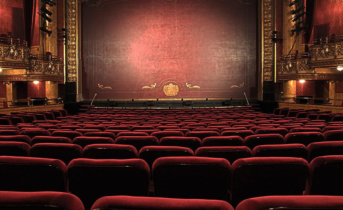 Óperas y teatros para disfrutar desde el sofá