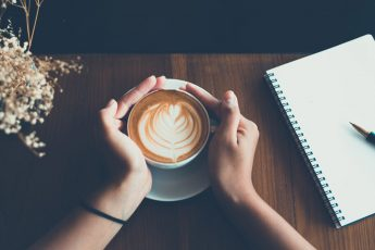 Café y literatura: escritores cafeinómanos